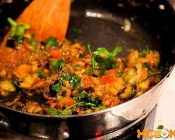 Вкусные тушеные баклажаны с помидорами и другими овощами – пошаговый рецепт с фото, как их приготовить в домашних условиях