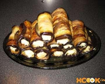 Фото рецепт, как сделать рулетики из баклажанов с сыром и чесноком