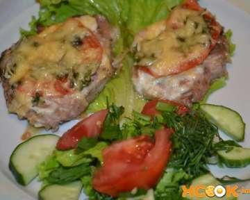 Вкусные свиные отбивные в духовке – рецепт с пошаговыми фото, как приготовить с сыром и помидорами