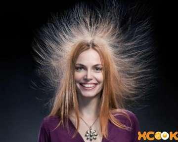 Волосы очень сильно электризуются и пушатся – почему и что можно с этим сделать в домашних условиях?