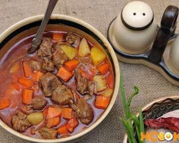Суп гуляш из говядины по-венгерски – классический пошаговый рецепт с фото, как приготовить в домашних условиях