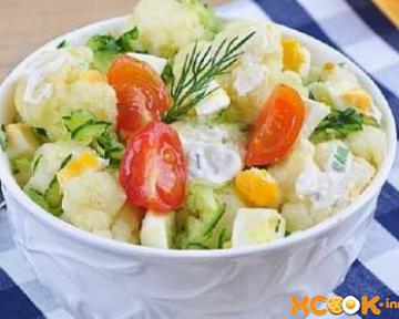 Диетический салат из цветной капусты с огурцом и помидором – рецепт с пошаговыми фото, как приготовить вкусно