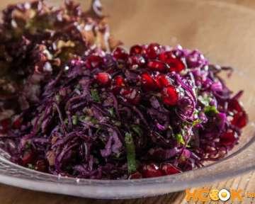 Овощной грузинский салат с грецкими орехами и гранатом – рецепт с пошаговыми фото, как сделать из краснокочанной капусты