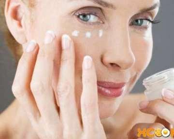 Морщины вокруг глаз или гусиные лапки — их причины; профилактика и борьба с ними (массаж, а также методы борьбы в косметологии)