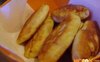 Простой пошаговый фото рецепт приготовления вкусных пирожков с начинкой из капусты, жаренных на сковороде