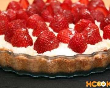 Открытый миндальный пирог с клубникой — вкусный фото рецепт, как его приготовить