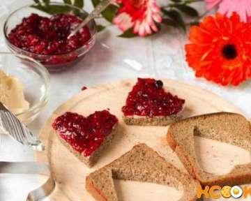 Романтические бутерброды на завтрак в виде сердца — быстрый и простой, а также вкусный рецепт с фото
