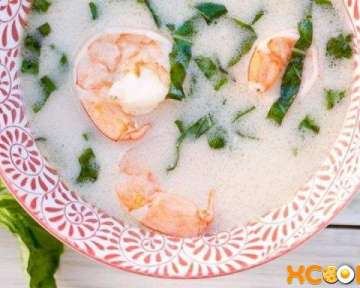 Тайский суп Том Ям — рецепт, как его приготовить на основе кокосового молока с добавлением креветок