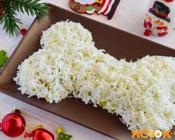 Салат «Собачья кость» — пошаговый фото рецепт приготовления с креветками и авокадо