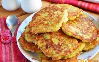 Рецепт с пошаговыми фото, как приготовить в домашних условиях вкусные картофельные драники с ветчиной и сыром на сковороде