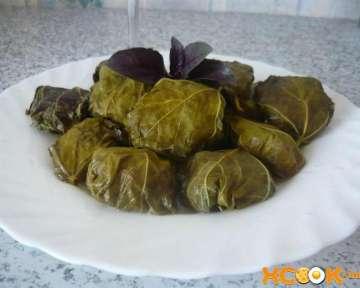 Рецепт приготовления вкусной долмы из свежих виноградных листьев с фото в домашних условиях