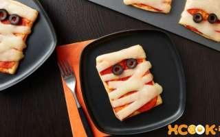 Минни-пицца из слоеного теста для детей в виде мумии — рецепт с пошаговыми фото, как вкусно приготовить в духовке