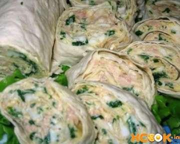 Нежный и вкусный рулет из лаваша с печенью трески – пошаговый фото рецепт приготовления с сыром и зеленью