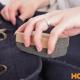 Как быстро и эффективно убрать катышки с шерстяного и драпового пальто?
