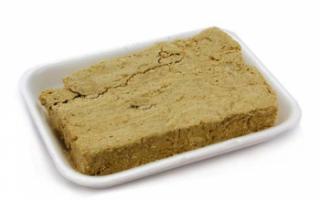 Калорийность, состав и описание арахисовой халвы с фото; рецепт приготовления в домашних условиях; польза и вред