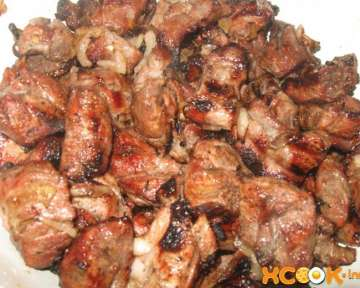 Самый мягкий и сочный шашлык из свинины – пошаговый рецепт с фото, как замариновать и приготовить на мангале