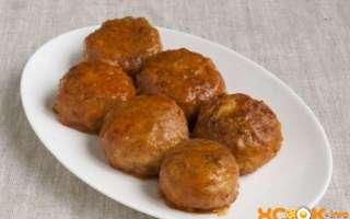 Куриные тефтели с рисом — рецепт с фото по приготовлению из фарша со сметанной подливкой с добавлением томатного соуса