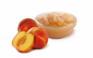 Характеристика полезных веществ в персиковом пюре, его пищевая ценность и применение; рецепт приготовления в домашних условиях