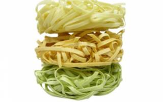 Яичная лапша — калорийность, польза и рецепты