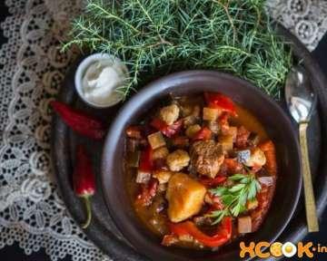 Гуляш из мяса с клецками по-венгерски – пошаговый рецепт с фото, как приготовить суп в домашних условиях