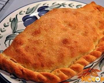 Пицца кальцоне с курицей, грибами и сыром – простой пошаговый фото рецепт приготовления в домашних условиях