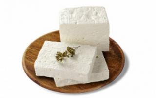 Уникальные свойства сыра фетаки с фото, его пищевая ценность и рецепты с этим сыром