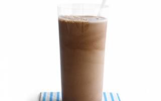Описание шоколадного молока с фото, а также рецепт его приготовления в домашних условиях