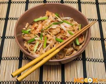 Пад Тай со свининой и креветками — рецепт с фото приготовления лапши по-тайски