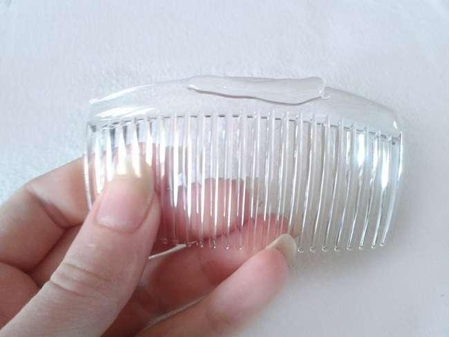 пластмассовый гребень