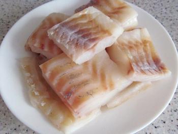 кусочки филе рыбы трески