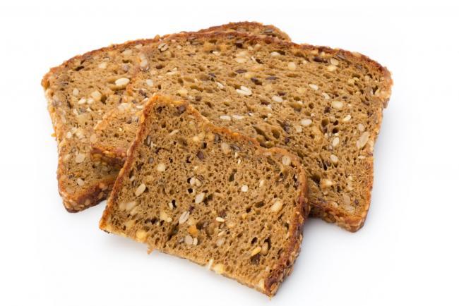 кусочки зернового хлеба