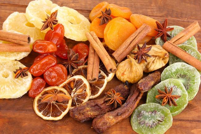 сушеные фрукты и специи