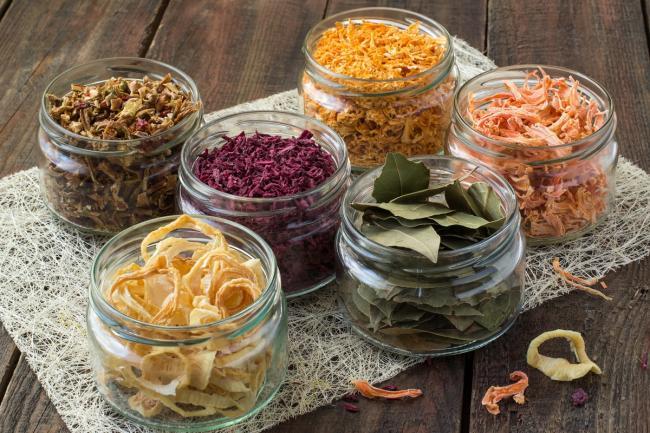 баночки с сушеными продуктами